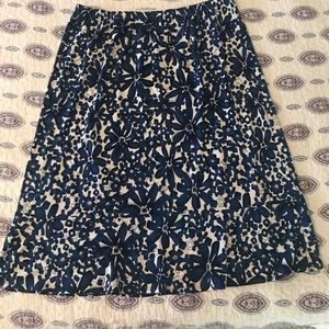 Chic floral skirt EUC
